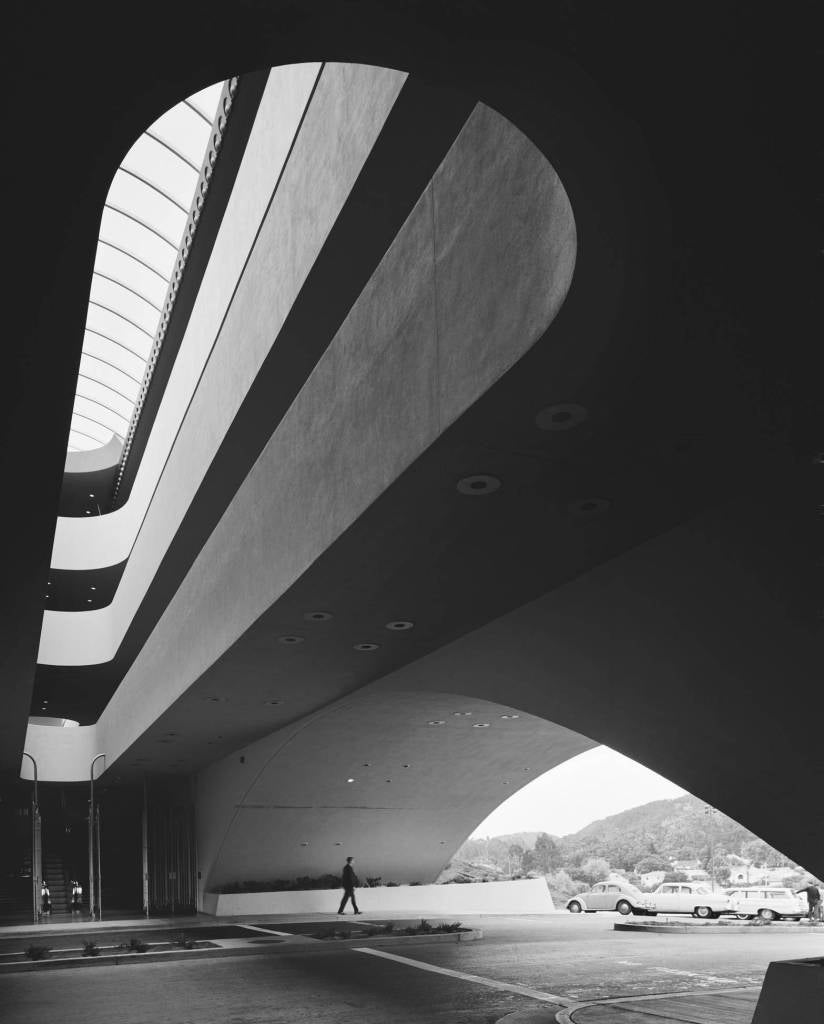 Ezra stoller marin county civic center frank lloyd for Frank lloyd wright california