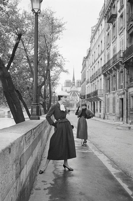Mark Shaw Black and White Photograph - Dior, Two Models in Vivante Line