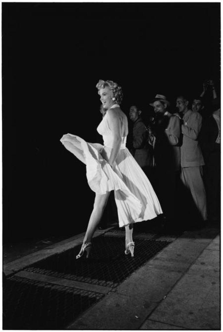 Elliott Erwitt Portrait Photograph - Marilyn Monroe, New York, 1954 - Black and White Photography