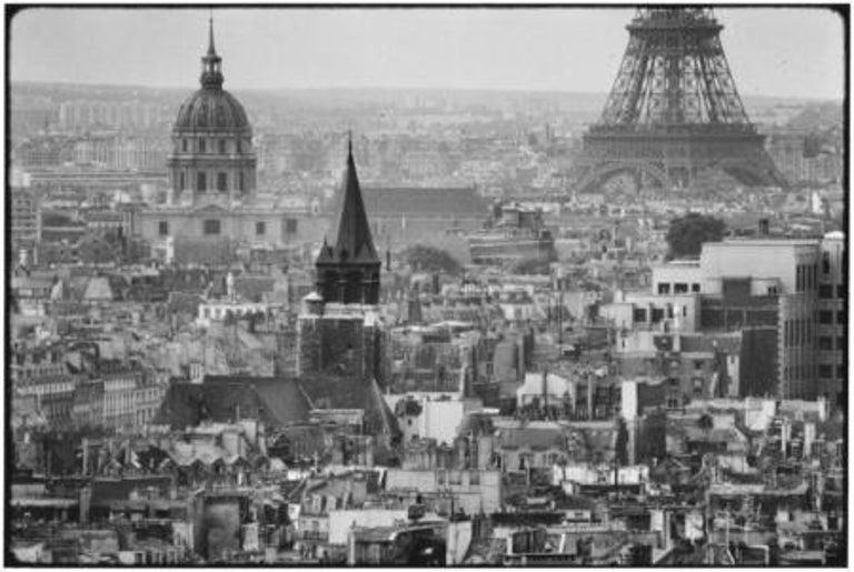 Elliott Erwitt Black and White Photograph - Paris, 1969
