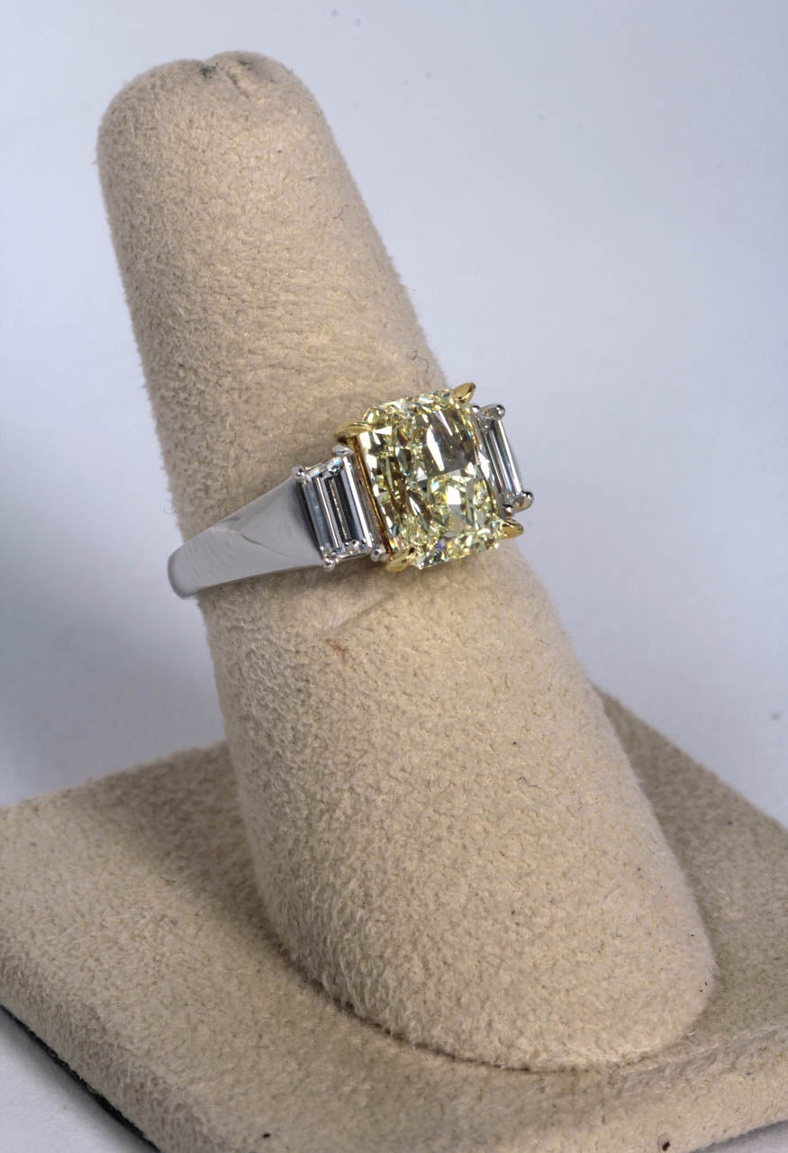 Unique Gia Fancy Light Yellow Diamond Engagement Ring 3