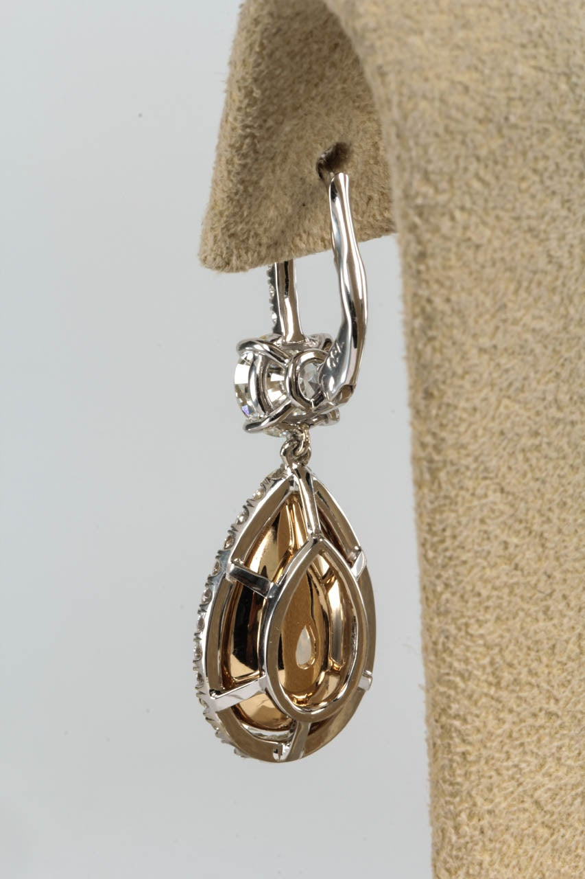 Important Yellow and White Diamond Drop Earrings For Sale 1