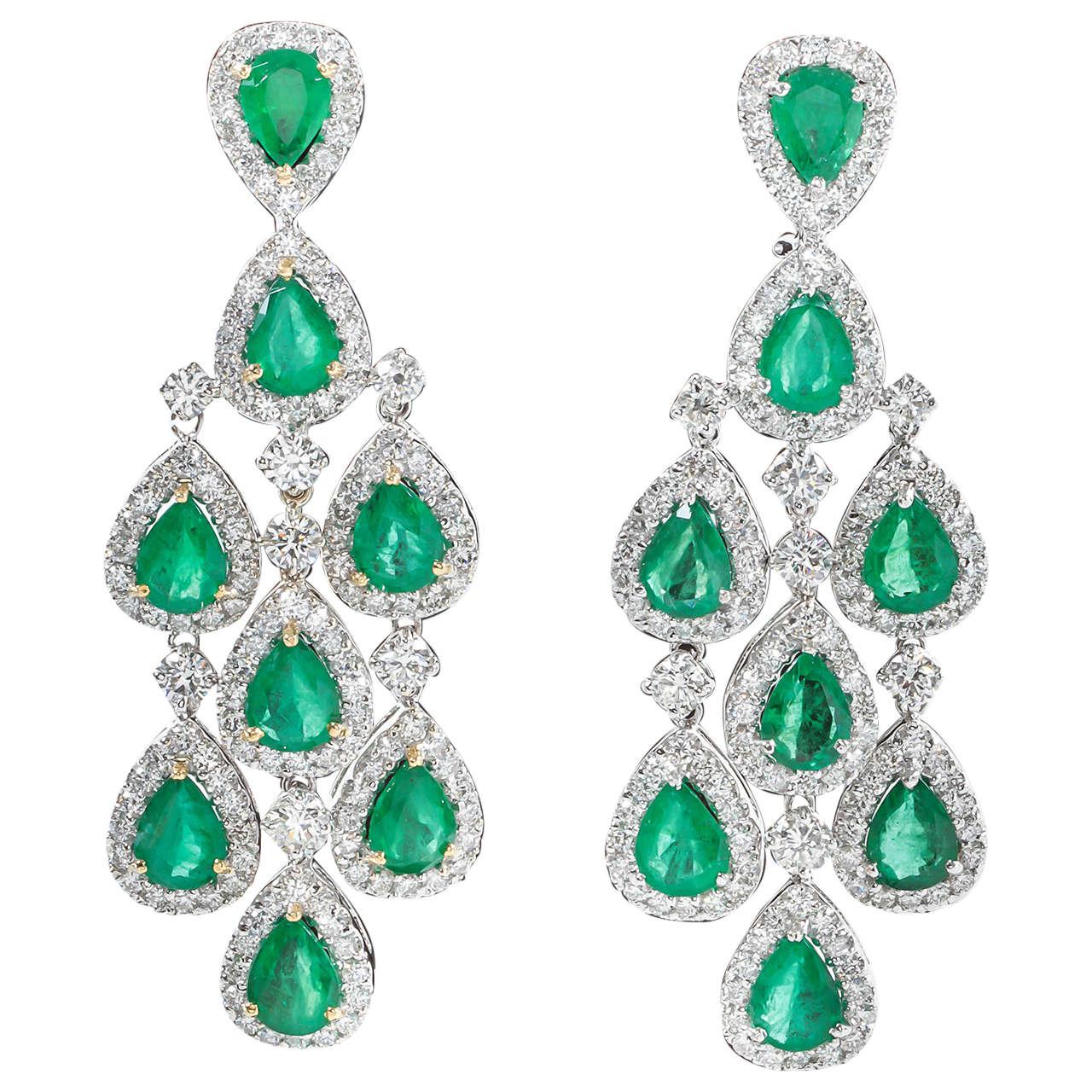 Pear-Shaped Emerald Diamond Gold Chandelier Dangle Earrings at 1stdibs