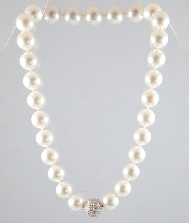 Magnificent South Sea Pearl Necklace with Diamond Platinum Ball Clasp 7