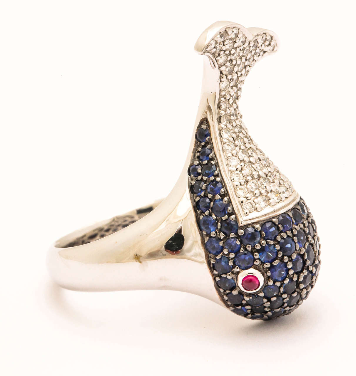 Sapphire Diamond Gold Whale Ring In As New Condition For Sale In TRYON, NC
