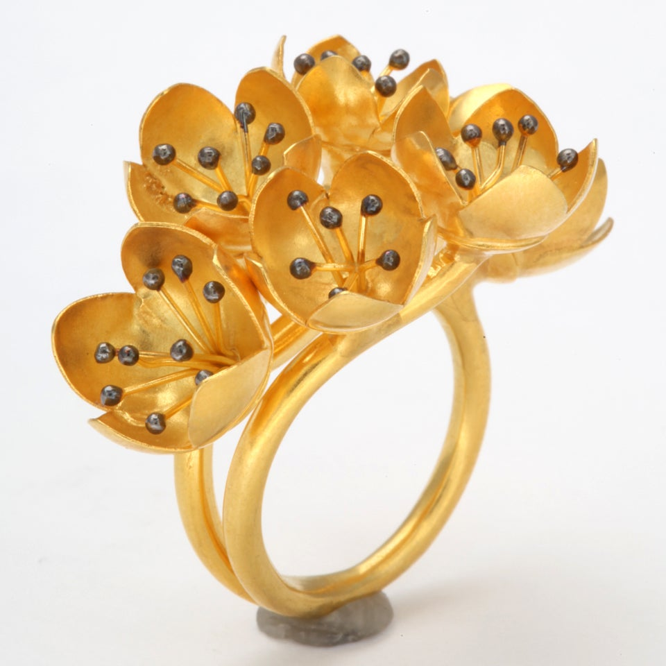 Contemporary Gold Buttercup Flower Ring For Sale