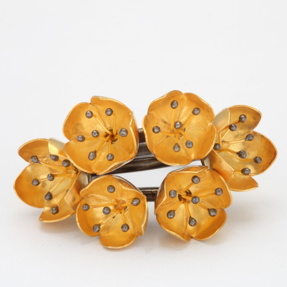 Buttercup Flower Ring In Good Condition For Sale In Fifth Avenue, NY