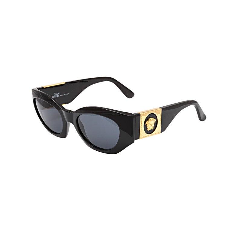 3a6e67e9c992 Gianni Versace Sunglasses Mod 420 C at 1stdibs