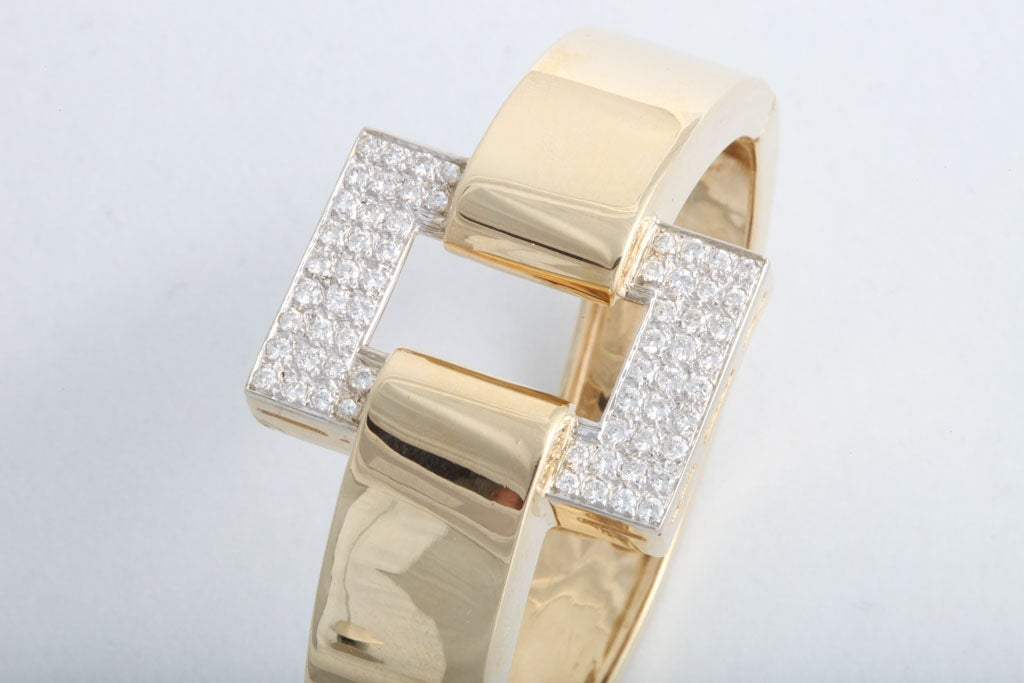 Great 1970s Geometric Bangle with Pave Diamond Rectangle In Excellent Condition For Sale In Miami Beach, FL
