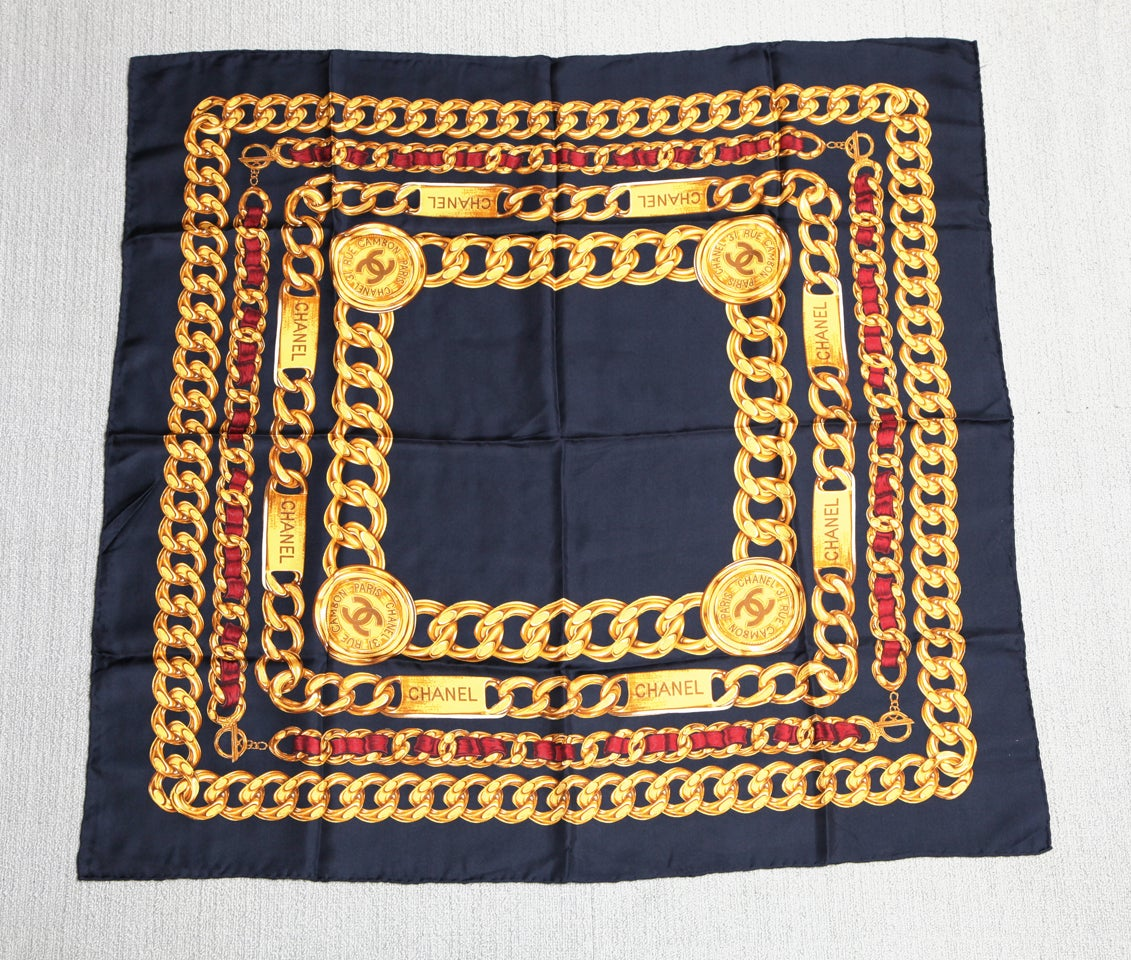 CHANEL ICONIC CHAIN MOTIF SCARF NAVY 2