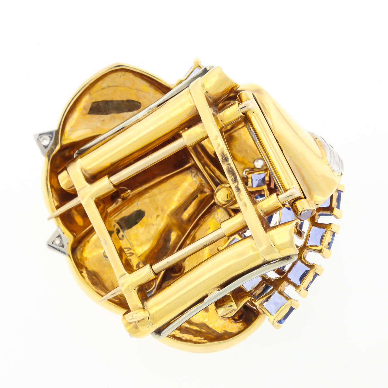 Mauboussin Retro Reflection Sapphire Diamond Gold Clip Brooch In Good Condition For Sale In New York, NY