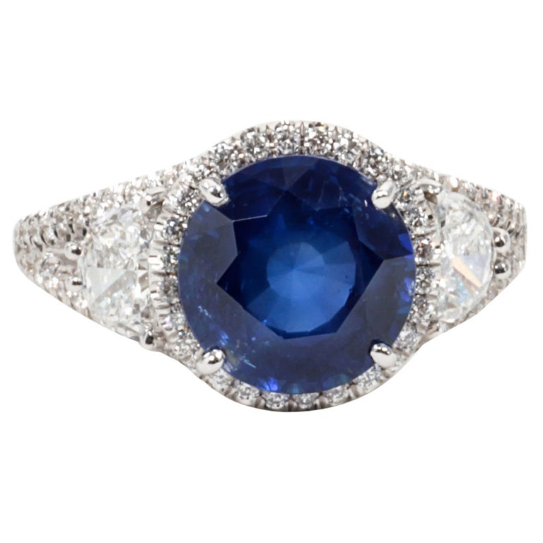 Certified Rare Natural No Heat Round Sapphire Diamond Ring For Sale