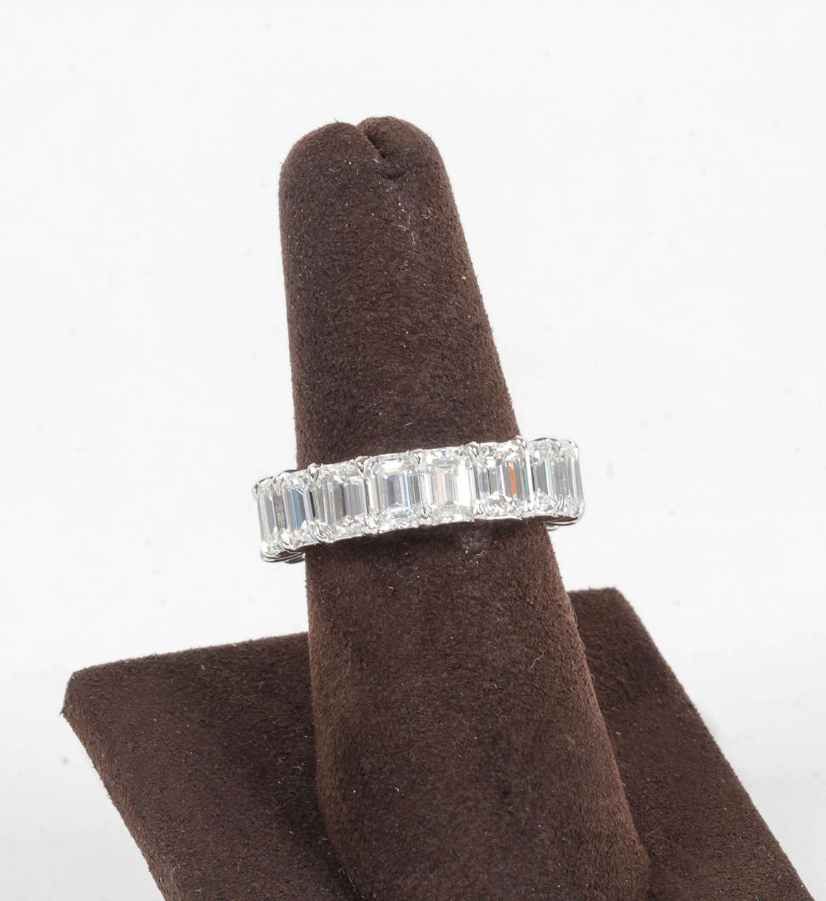 9 Carat Emerald Cut Diamond Platinum Eternity Band For Sale 1