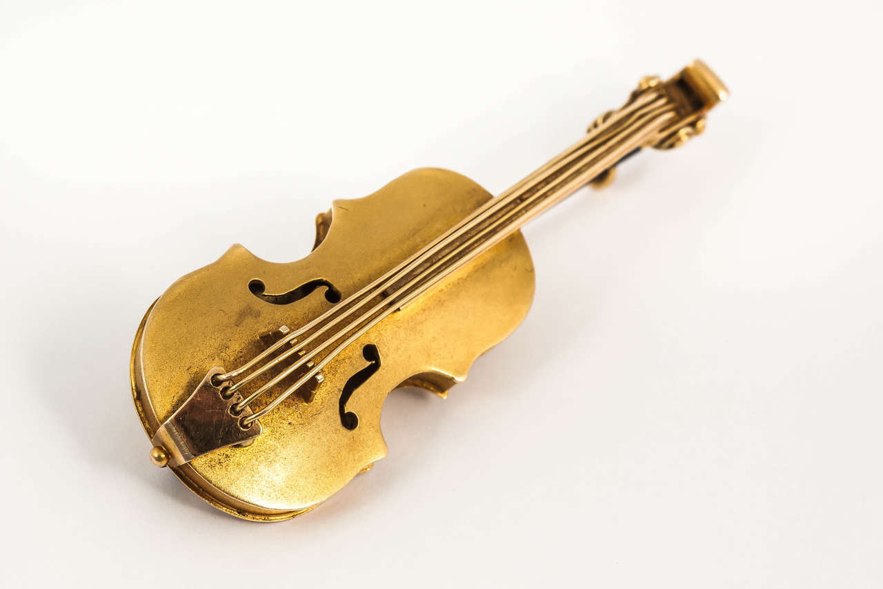 Late 19th Century Gold Violin Brooch 2