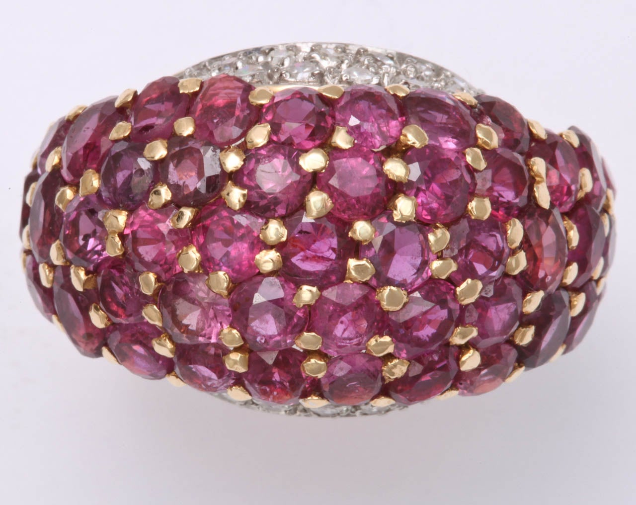 Burmese Ruby & Diamond Ring In Excellent Condition For Sale In New York, NY