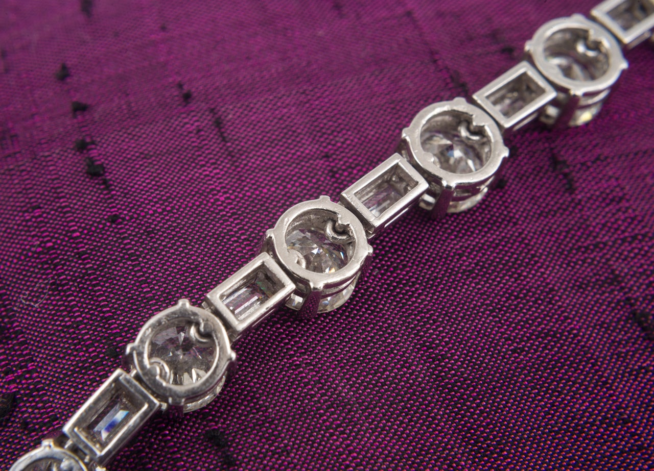 Art Deco Diamond and Platinum Necklace For Sale 1