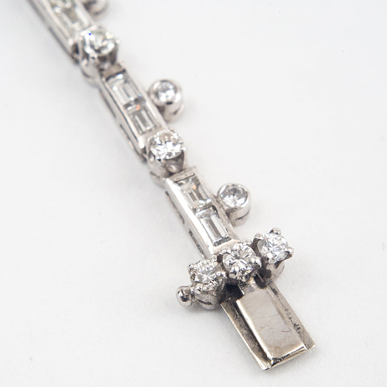 Art Deco Diamond and Platinum Necklace For Sale 2