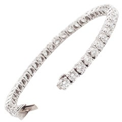 Platinum and Premium Cut Diamond Tennis Bracelet