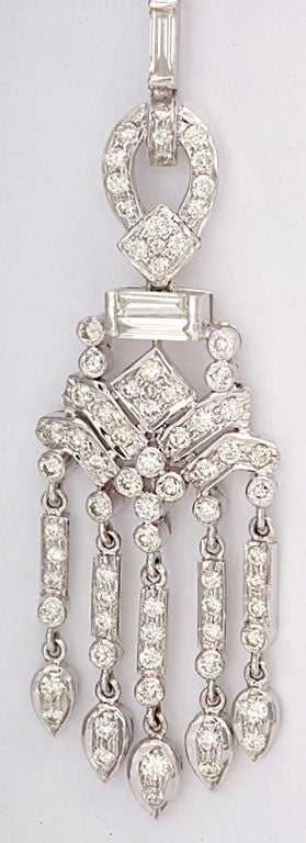 Dangling Diamond Gold Chandelier Earrings In New Condition For Sale In Miami Beach, FL