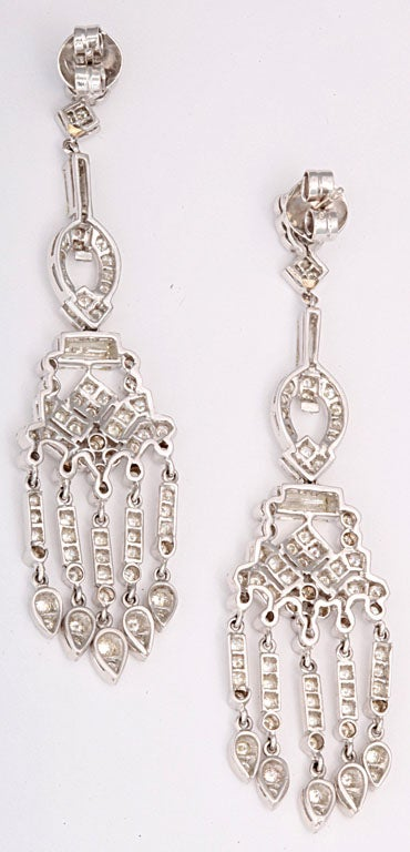 Dangling Diamond Gold Chandelier Earrings For Sale 1