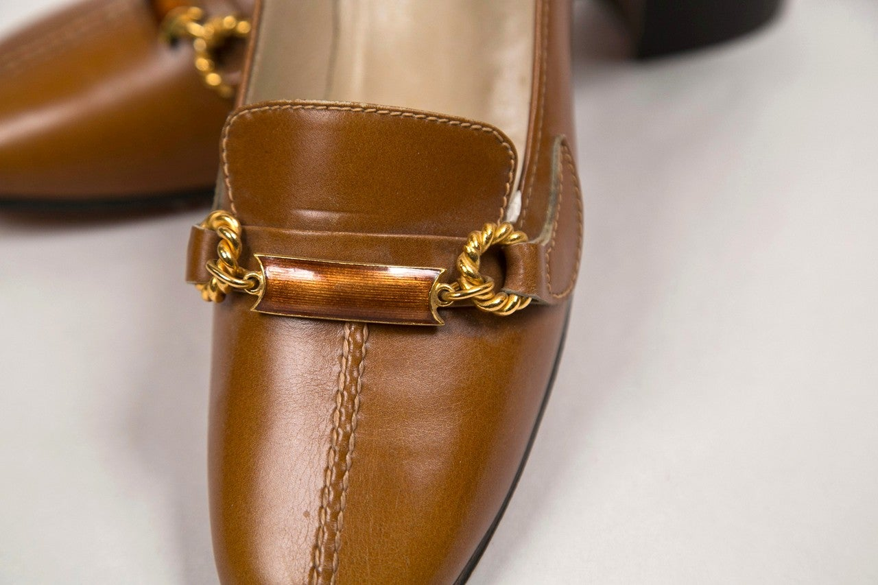 never worn gucci shoes with enamel & brass hardware 8