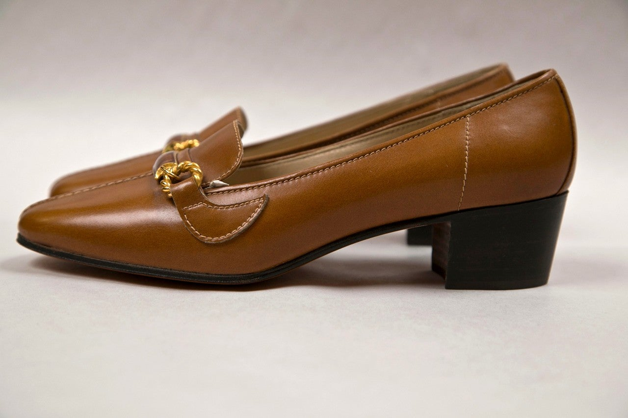 never worn gucci shoes with enamel & brass hardware 3