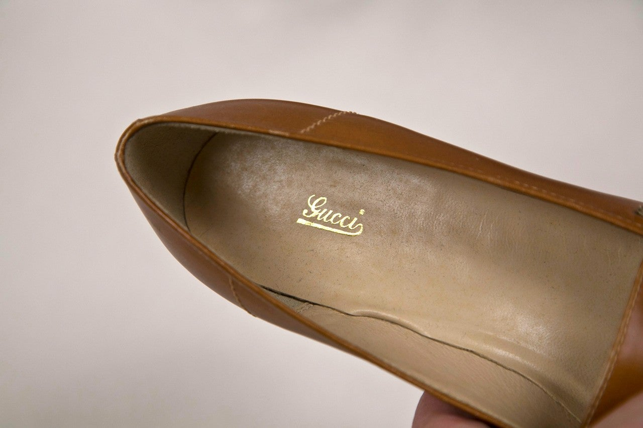 never worn gucci shoes with enamel & brass hardware 5