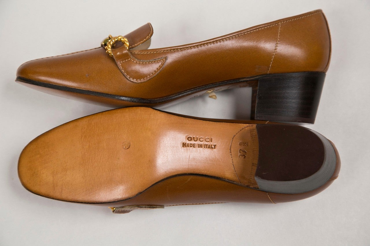 never worn gucci shoes with enamel & brass hardware 7