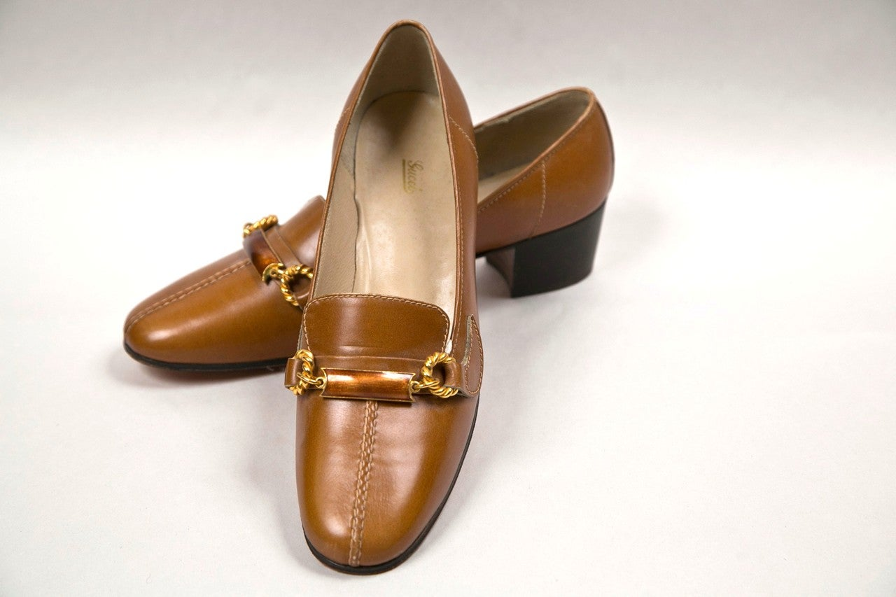never worn gucci shoes with enamel & brass hardware 2