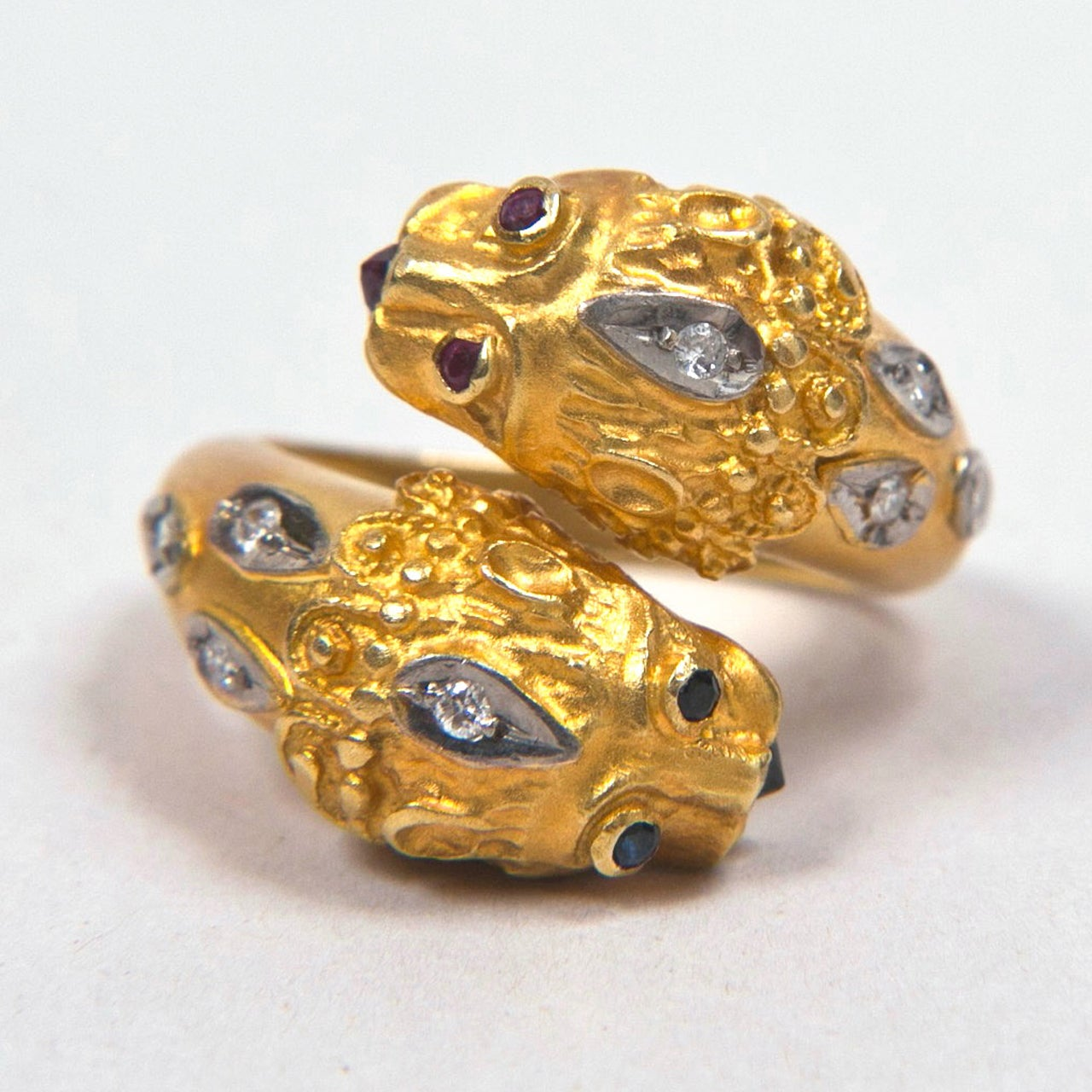 Double Lion Gold Ring Presented by Carol Marks For Sale 2