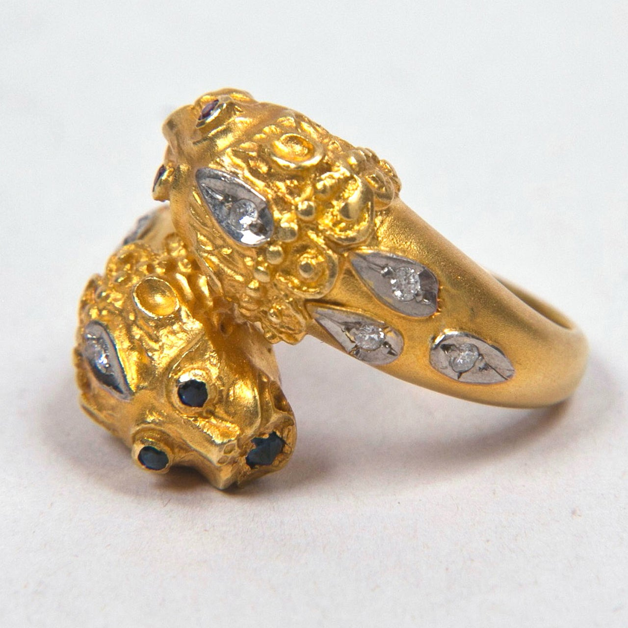 Double Lion Gold Ring Presented by Carol Marks In Excellent Condition For Sale In St.amford, CT