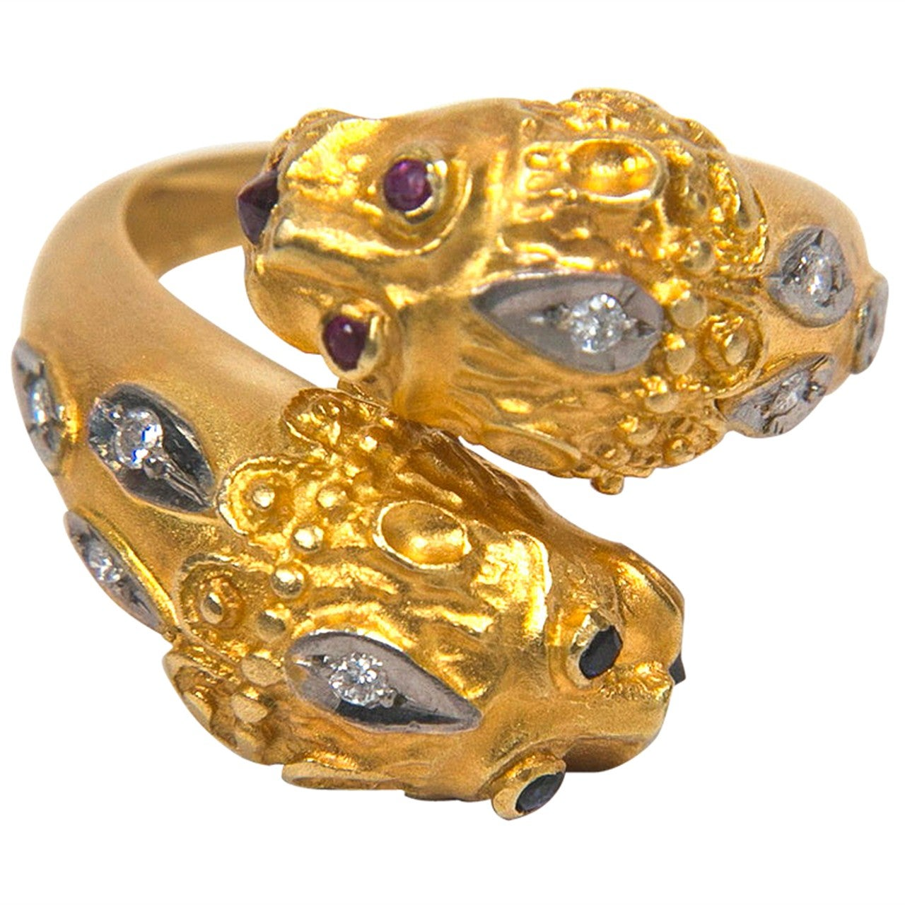 Double Lion Gold Ring Presented by Carol Marks For Sale