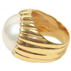 Classic Mabe Pearl Ring
