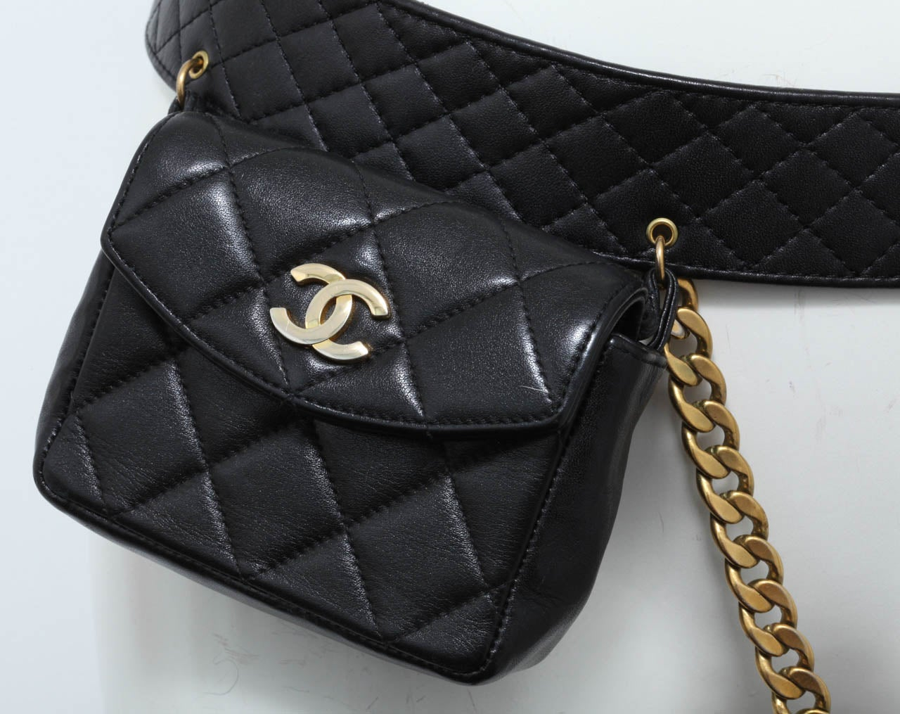 Vintage Chanel Belt with Pack and Gold Chain 4