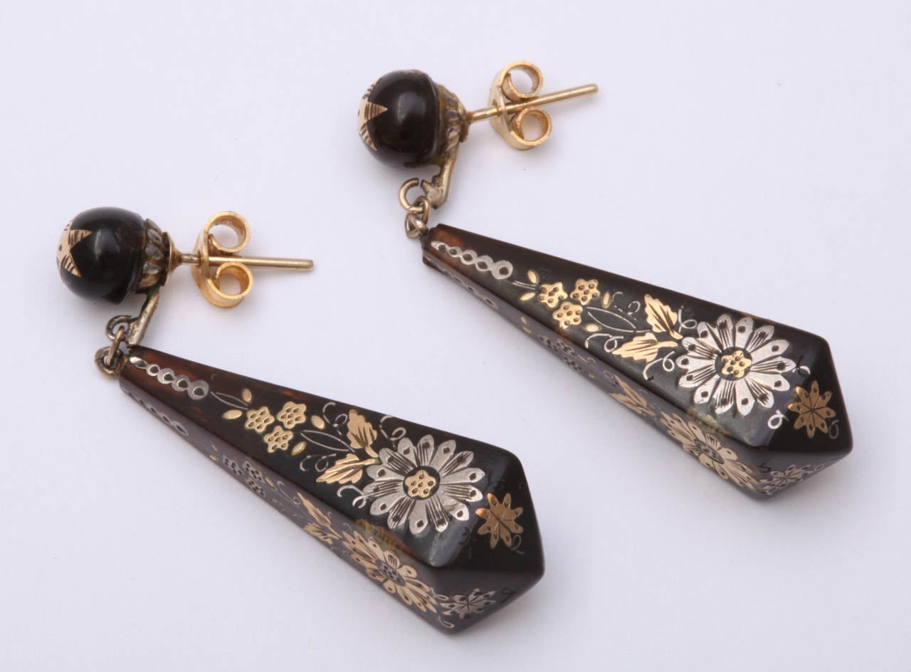 Victorian Pique Earrings Incised with Gold and Silver For Sale 1