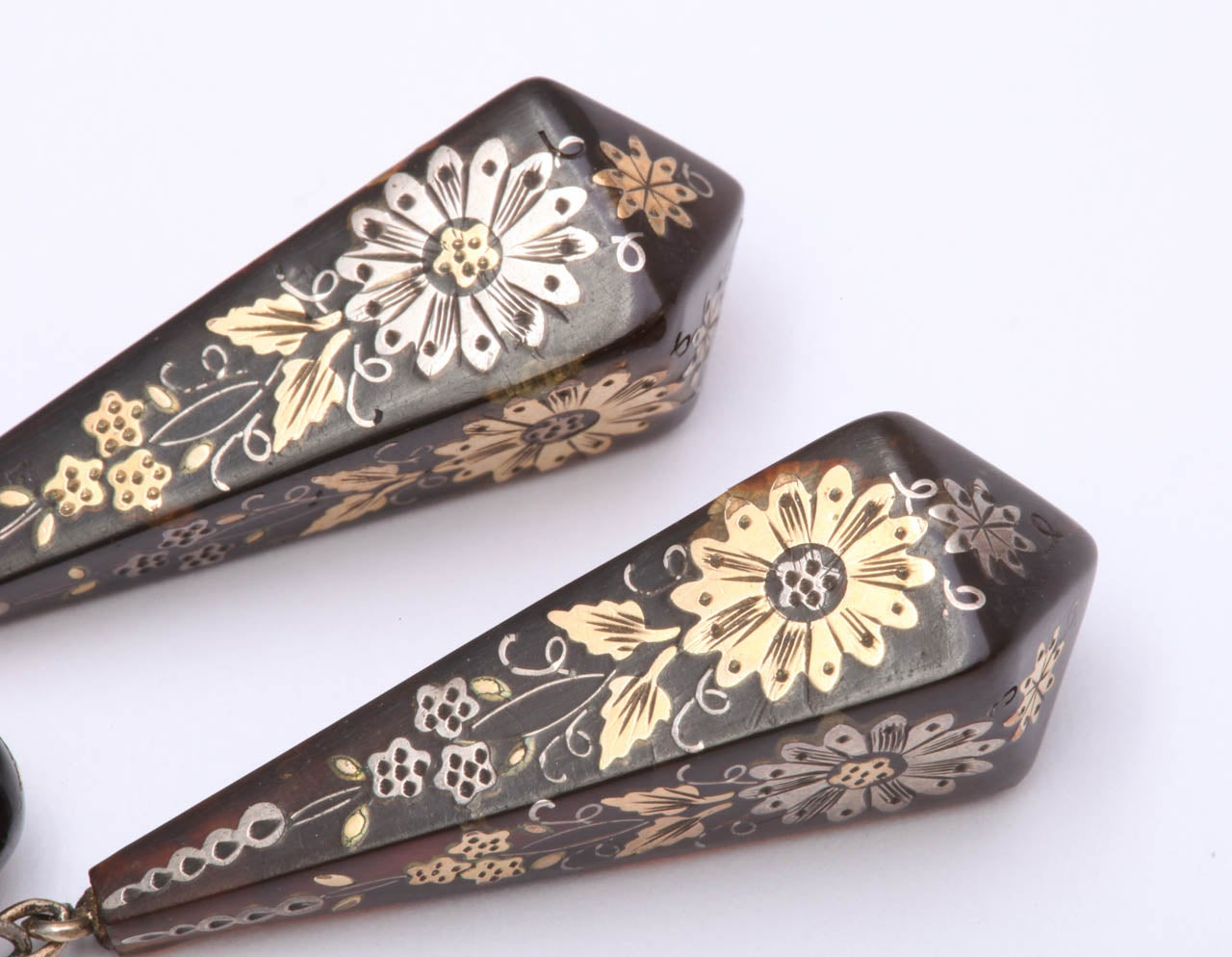 Victorian Pique Earrings Incised with Gold and Silver For Sale 5
