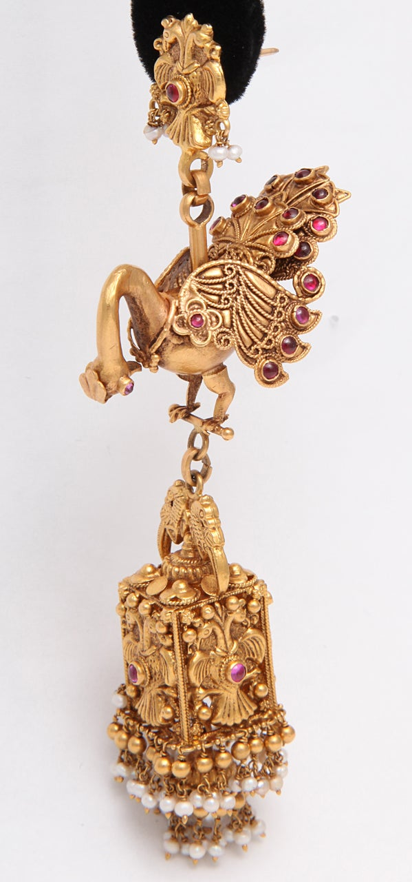 Ruby Gold Peacock Earrings In New Condition For Sale In Fifth Avenue, NY