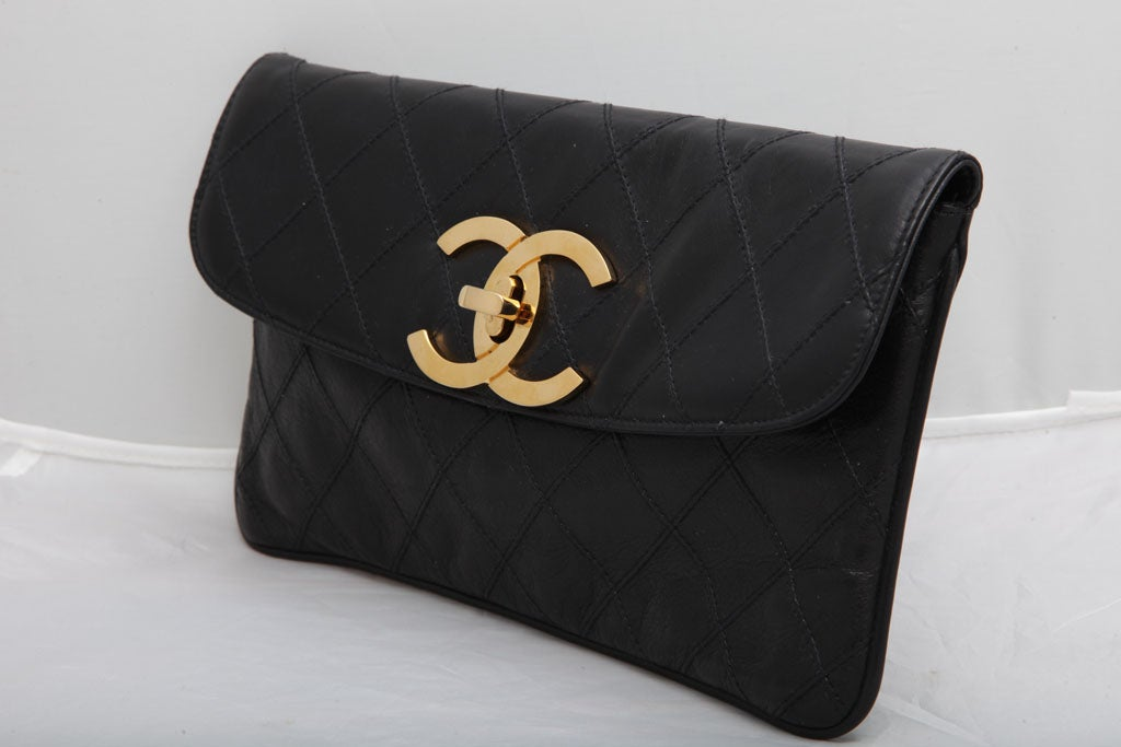 CHANEL QUILTED CLUTCH BAG 3