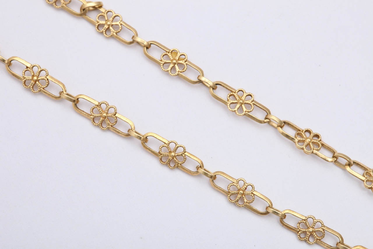 1950's Gold Open Link Delicate Floral Chain Necklace 4