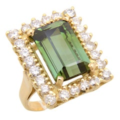Elegant Green Tourmaline Diamond Gold Ring