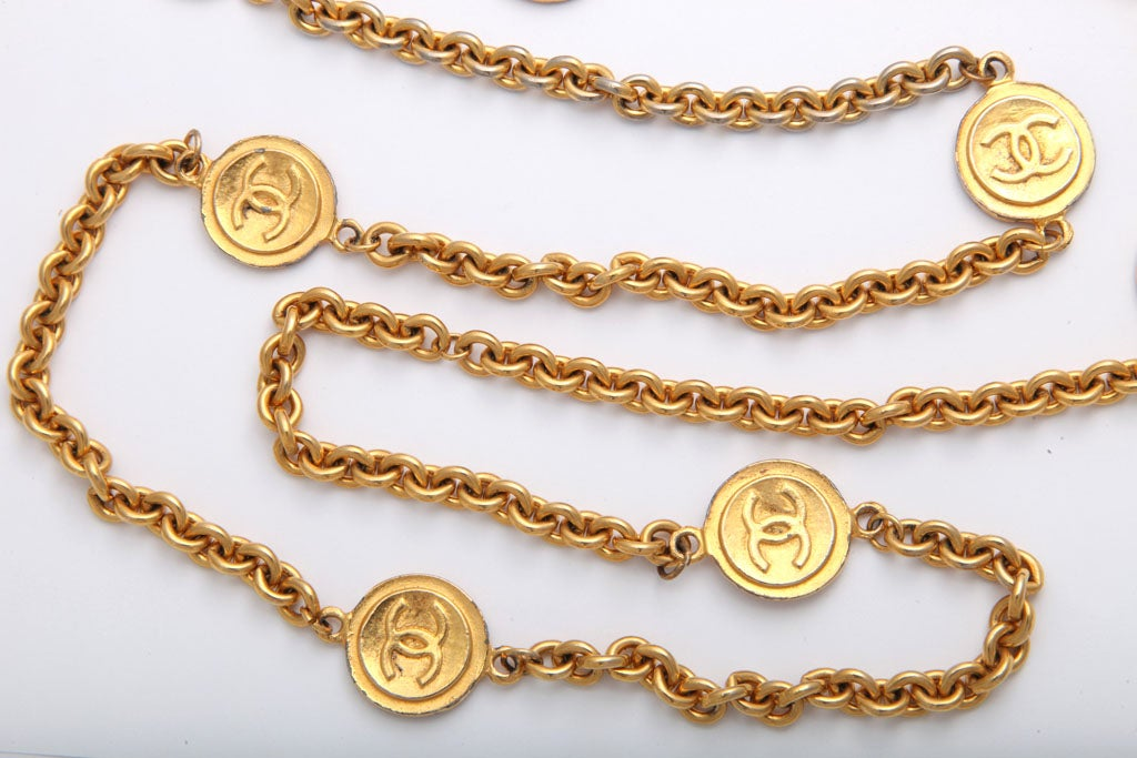 Classic Chanel Necklace Necklace Image 4 Chanel