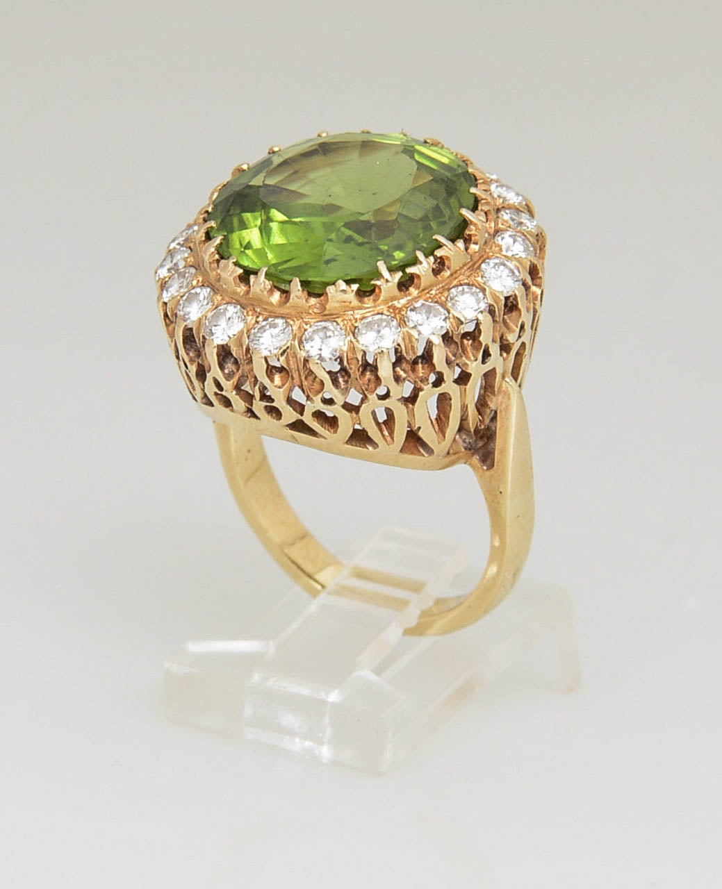 Large Over 15 Carat Peridot Diamond Gold Ring 2