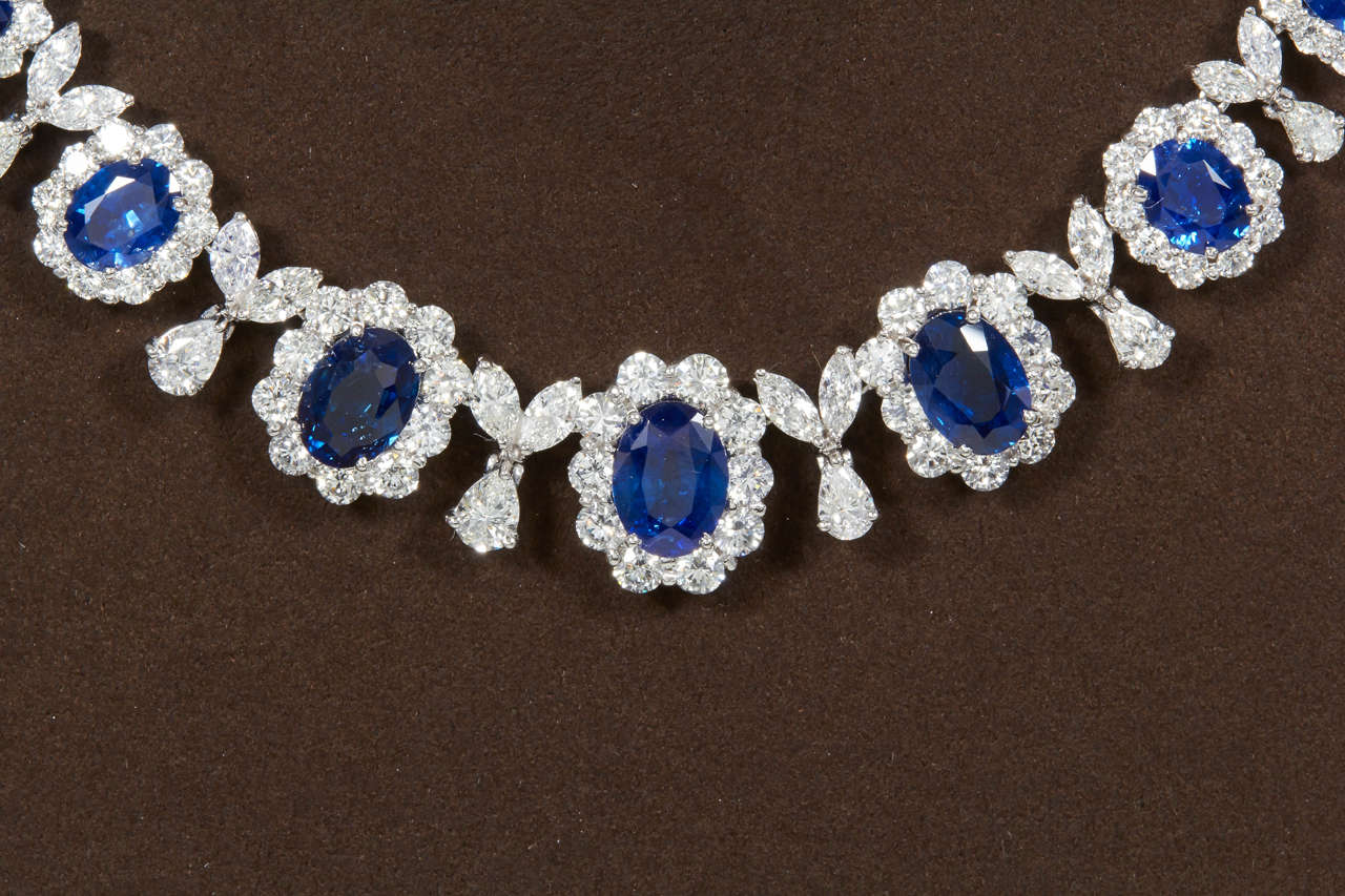 Classic Sapphire Diamond Gold Necklace In New Condition For Sale In New York, NY