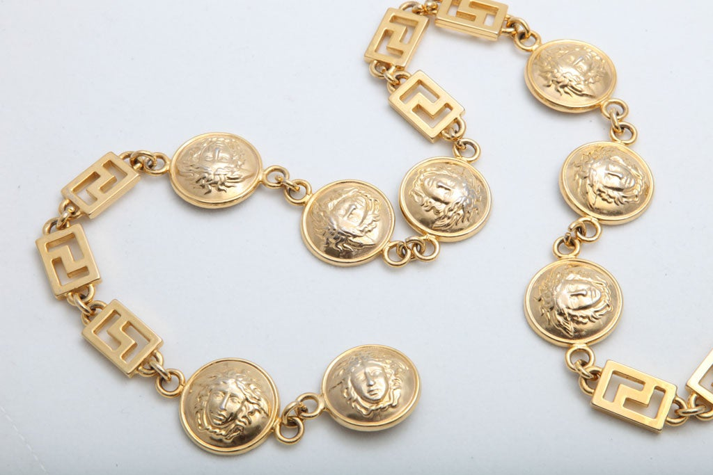 GIANNI VERSACE GOLD MEDUSA CHAIN BELT/NECKLACE image 3
