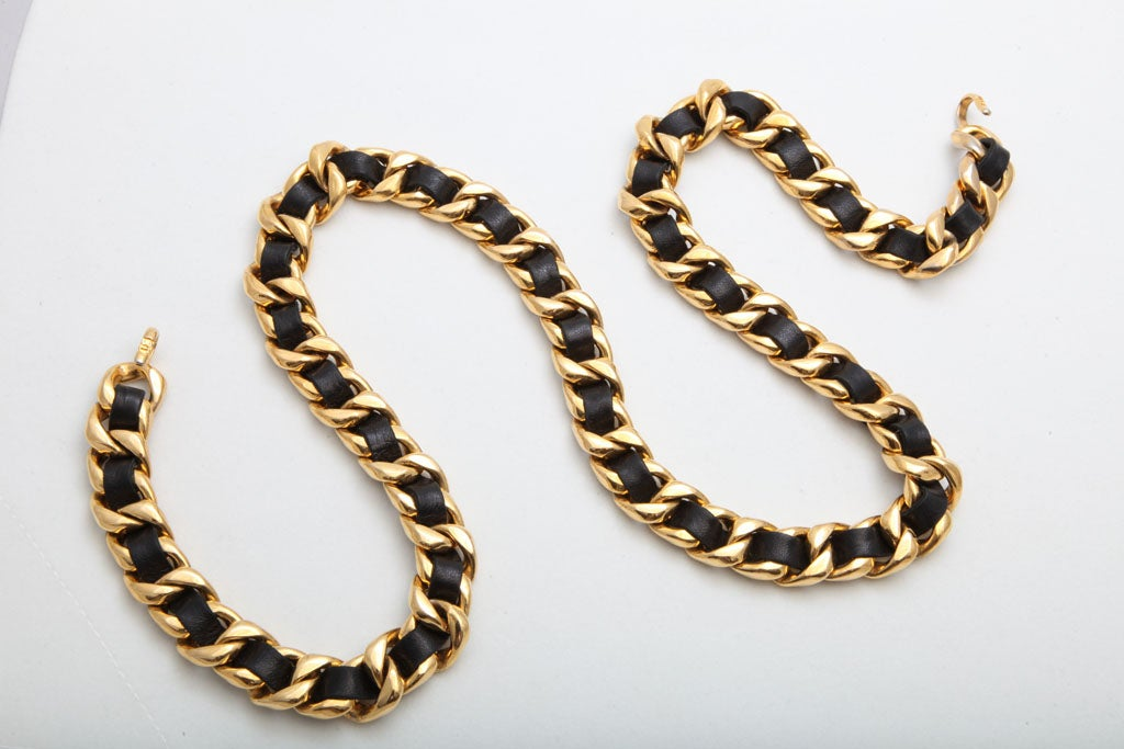 CHANEL BLACK/GOLD CHAIN NECKLACE/BELT 2