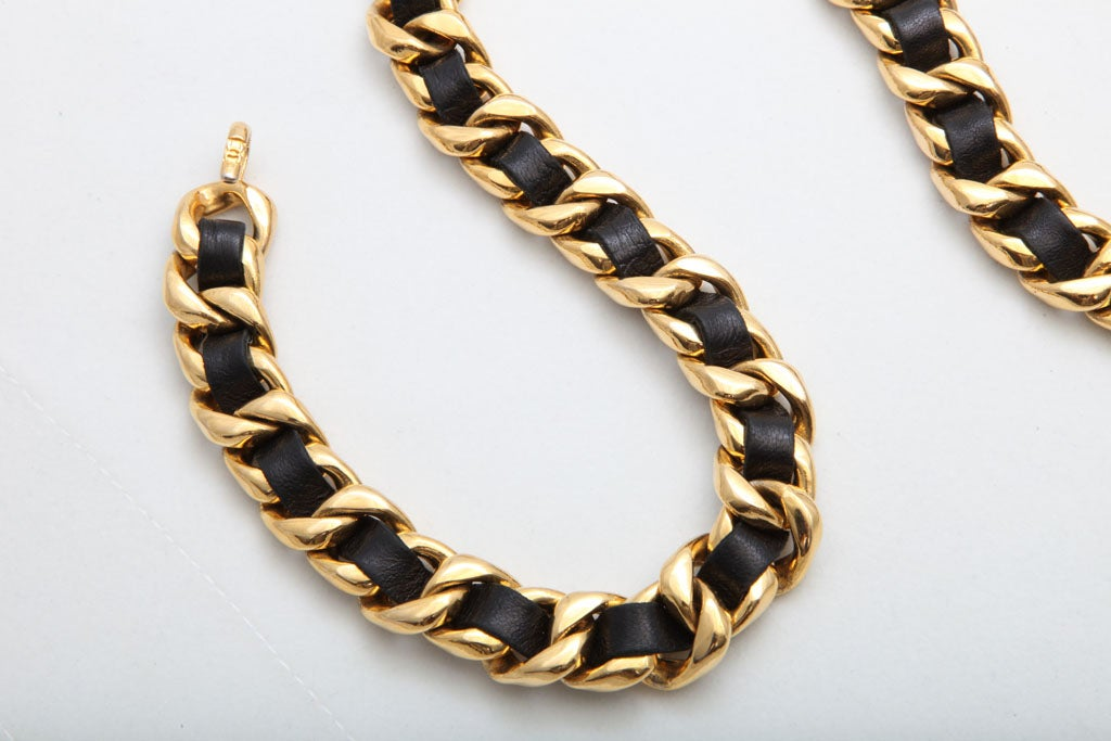 Black And Gold Chain Necklace Chanel Black/gold Chain