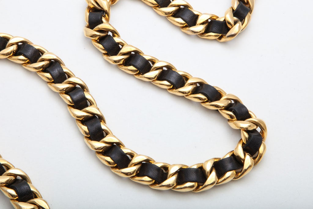 CHANEL BLACK/GOLD CHAIN NECKLACE/BELT 4
