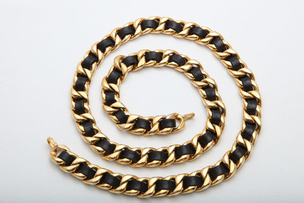 CHANEL BLACK/GOLD CHAIN NECKLACE/BELT 5