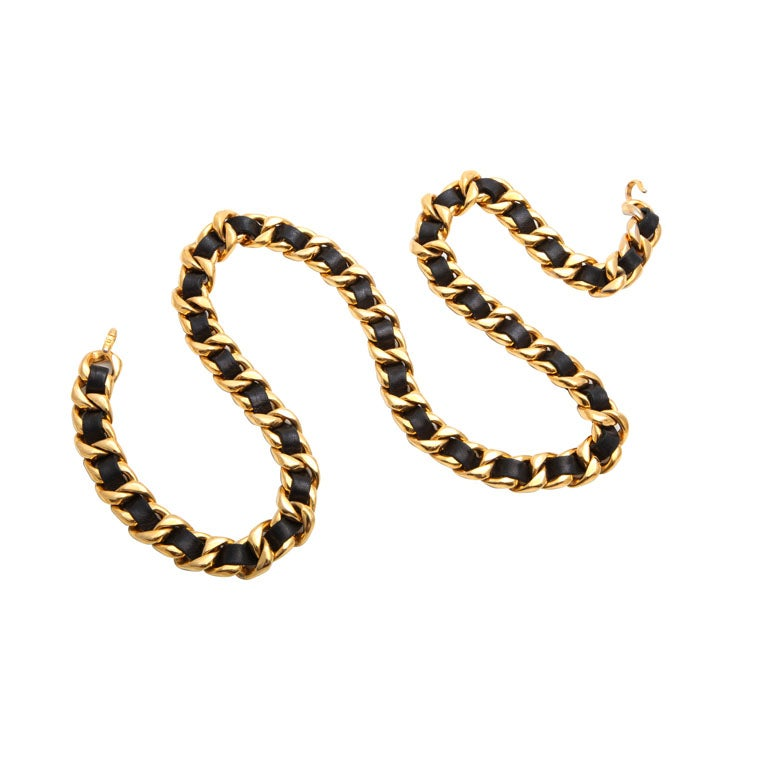 CHANEL BLACK/GOLD CHAIN NECKLACE/BELT 1