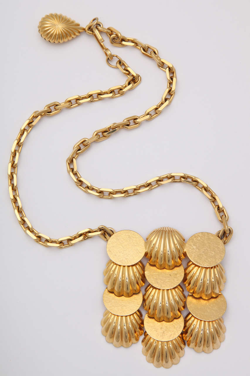 Shell Medallion Necklace 2